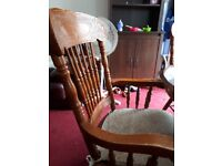 QUICK SALE: Dining Table (very good condition)