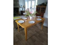 Dining table. Extendable