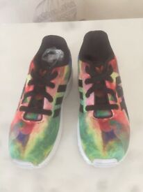 Adidas Flux Trainers Unisex size 9 Multi coloured
