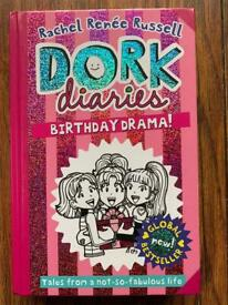 Dork Diaries - Birthday Drama! (Volume 13)