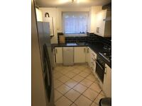 Three bed ground floor Flat/Massionate for rent in Dagenham (Part -DSS Accepted)