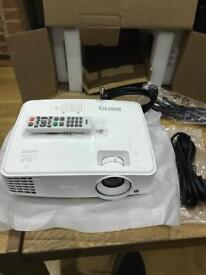 BenQ M570 projector open to offers