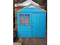 Garden play house in good condition could do with repainting no longer gets used