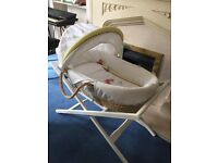 Gingerbread mamas and papas Moses basket and delux stand
