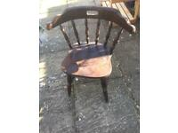 Carver / captains chair