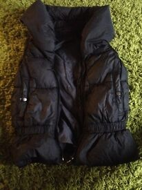 Genuine Levi's gillet will fit 8-12