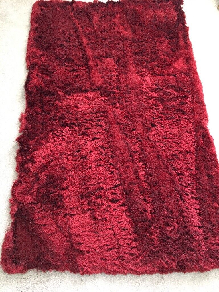 Lovely Red Shaggy Rug For Sale Only 10 In Motherwell North