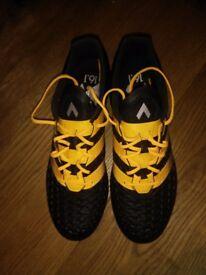 Adidas ACE 16.1 Pro FG/AG (Size 8 UK) £75 (ONO)