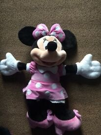 Extra large disney store minnie mouse