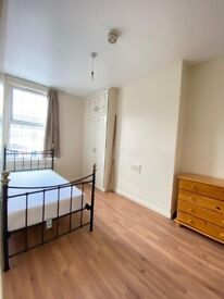 1 Double & 1 Single room in same lovely 6 bedroom house.Acton Central.2 Weeks Deposit.All Bills incl