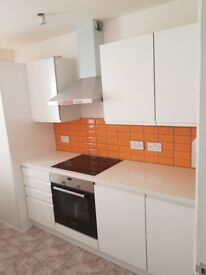Newly Refurbished 3 Bedroom Flat Available Now.