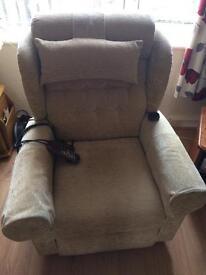 Willowbrook riser/recliner chair