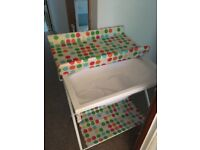 Baby changing unit - foldable and wipeable - bright and spotty!