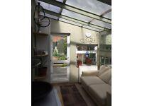 Comfortable double Room facing garden central town/ close to Eurostar