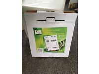 New boxed neat garden hoose