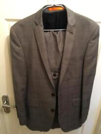 Men's Ben Sherman suite for sale like new