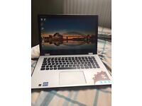 Lenovo Yoga 700 mint condition. 14 inch touch screen, 8 gb ram, Intel I7 6500 2.5ghz, 256 HD