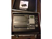 KORG D3200 Home recording unit with flight case - perfect condition