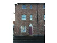 2 Bedroom semi detached house - central Macclesfield for rent