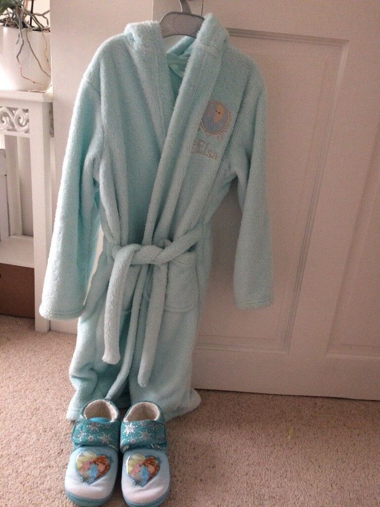 M&S frozen themed dressing gown & slippers