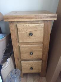 Solid oak 3 drawer unit