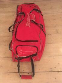 Slazenger Elite Wheelie Cricket Bag (2nd hand)