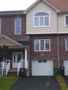 BEDFORD RAVINES EXECUTIVE TOWNHOUSE