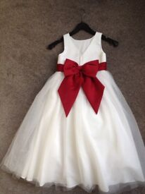 Bridesmaid dress for an age 5-6 year old. Ivory and wine.
