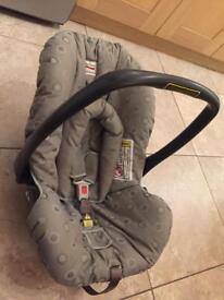 Baby car seat britax group 0+ rear facing