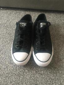 Women's size 6 All Star Converse