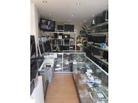 Shop To Let Really Low Rent In Enfield Running Computer & Mobile Business