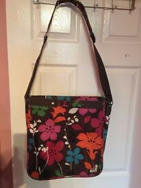 ROXY BAG AS NEW ONLY £9!!!!