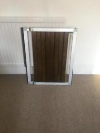 Lindam Numi Premium extending wooden safety gate