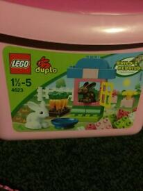 Lego Duplo Snow White & Pink Box