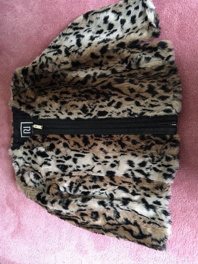 Miss Sekfidge faux fur leopard jacket