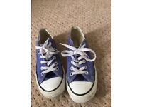 Converse all stars low top size 5 1/2