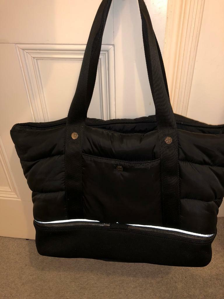 3c28d7e8b9  like new  Sweaty Betty Luxe Gym Bag RRP £95