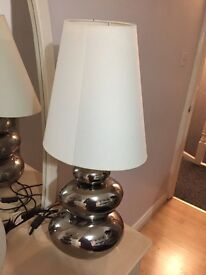 Two lamps and chested drawers