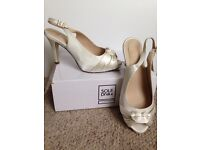 Gorgeous Ivory Wide fit EEE wedding shoes size 6