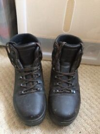 Women's high quality leather walking boots size 41