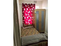 Single room,near east croydon station,walking from croydon high street,very neat and tidy