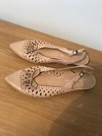 Ladies sling back shoes size 6