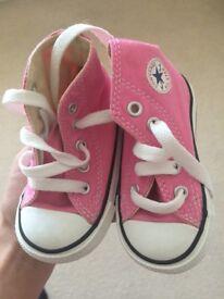 Pink kids converse size 4