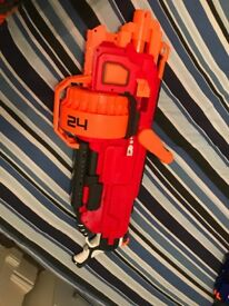 MEGA MASTERDON NERF GUN FOR SALE RRP £79.99 HARDLY USED CAN DELIVER