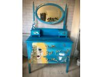 Dressing table / drawers