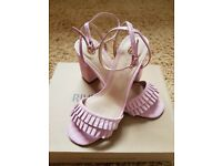NEW IN BOX PINK RIVER ISLAND TAFFY HEELS SIZE 5