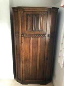 Linenfold 19th Century Oak Wardrobe