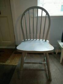 Wooden chair, spindle back