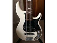 Bass guitar yamaha BB1025x