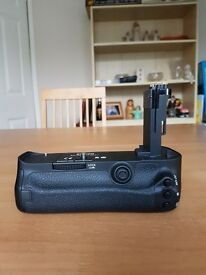 Genuine Canon BG-E11 5D MK3 Battery Grip Mint Condition